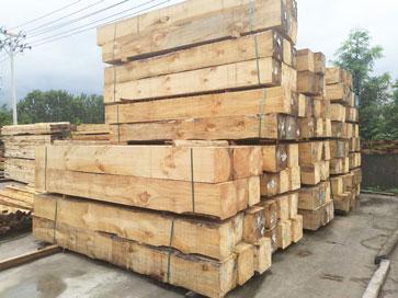 千亿国际登录千赢官方网站木方堆放区